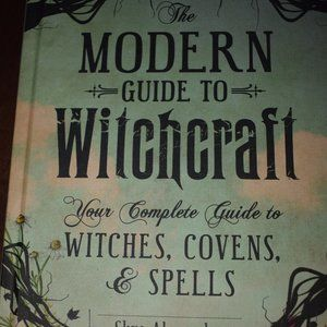 The Modern Guide to Witchcraft Book 3/10$🖤
